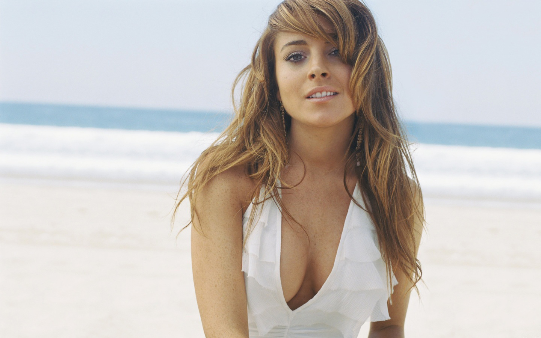 Lindsey lohan nude photo 44