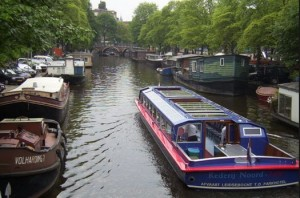 boats and canals in amsterdam